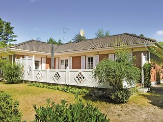 Beautiful home in Rønne w/ WiFi and 4 Bedrooms (I54427)