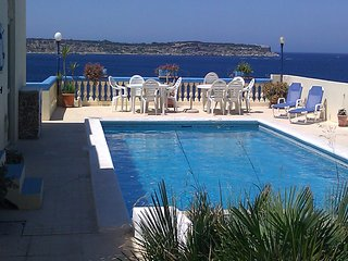 Fantastic Sea View Villa in Mellieha, Close to the Beach, 4 Bedrooms with A/C