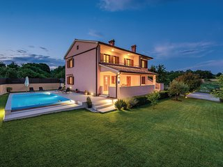 Nice home in Zminj w/ WiFi and 4 Bedrooms