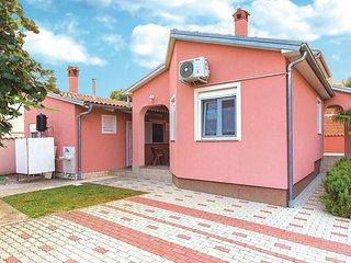 Beautiful home in Betiga w/ WiFi and 4 Bedrooms (CIF498)