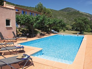 Nice home in Roquebrun w/ Outdoor swimming pool, WiFi and 4 Bedrooms