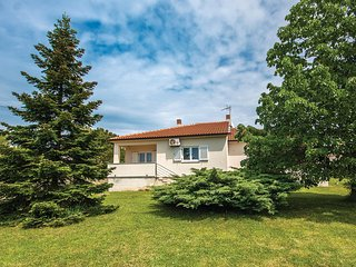 Nice home in Medulin w/ WiFi and 2 Bedrooms
