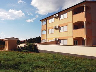 Amazing home in Medulin with 2 Bedrooms (CIM260)