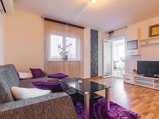 Amazing home in Medulin with WiFi and 3 Bedrooms (CIM407)