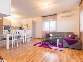 Amazing home in Medulin with WiFi and 3 Bedrooms (CIM408)