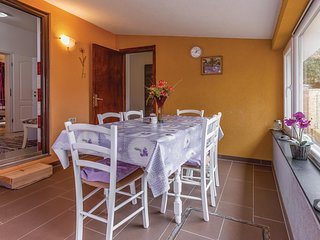 Nice home in Pavicini w/ WiFi and 2 Bedrooms