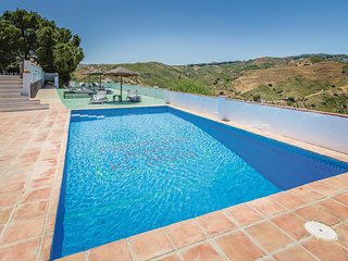 Stunning home in El Borge w/ WiFi and 3 Bedrooms