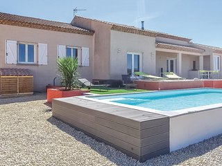 Amazing home in Quarante w/ WiFi, Outdoor swimming pool and 3 Bedrooms