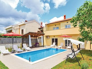 Stunning home in Pula w/ WiFi and 4 Bedrooms (CIP675)