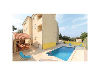 Awesome home in Pula w/ WiFi and 7 Bedrooms (CIP830)
