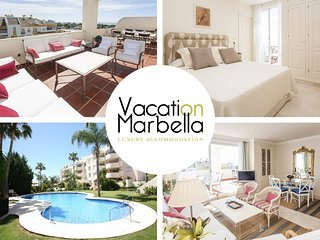 ELEGANT FLAT FOR A HOLIDAY TO REMEMBER IN THE HEART OF MARBELLA'S GOLDEN MILE