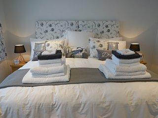A Little Bit of Luxury In The Heart of Devon -  Sleeps 2-6 Zip & Link Beds