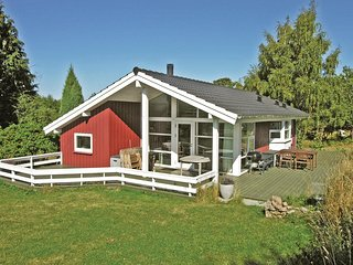 Awesome home in Allinge w/ WiFi and 3 Bedrooms