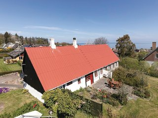 Beautiful home in Allinge w/ WiFi and 3 Bedrooms