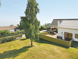 Beautiful home in Allinge w/ 3 Bedrooms