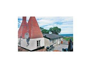 Amazing home in Svaneke w/ Sauna, WiFi and 3 Bedrooms (I58855)