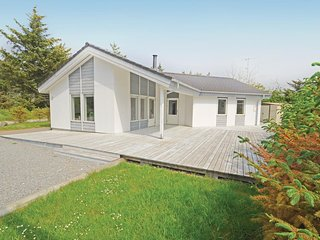 Nice home in Vestervig w/ Sauna, WiFi and 3 Bedrooms (A6083)