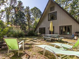 One of a Kind ' The Nauset Teepee' Oasis near the bay, now w/NEW A/C!!!