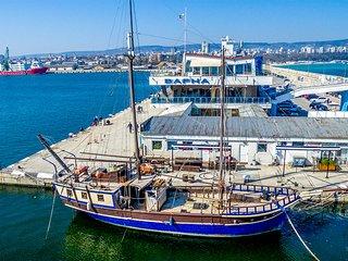 Your home at sea Santa Marina Houseboat for 10 people