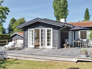 Amazing home in Hornbaek w/ WiFi and 3 Bedrooms