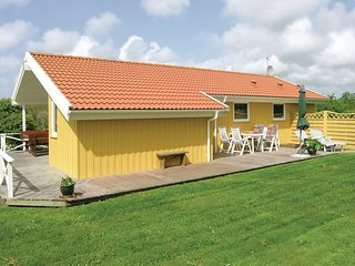 Beautiful home in Vestervig w/ Sauna, WiFi and 3 Bedrooms (A6187)