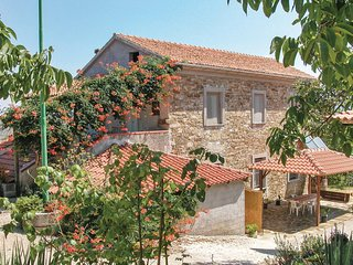 Awesome home in Castellabate SA w/ 1 Bedrooms and WiFi