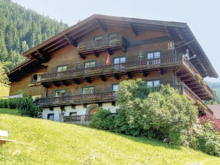Beautiful home in Zell am See w/ Sauna, WiFi and 8 Bedrooms