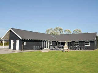 Awesome home in Idestrup w/ Sauna, WiFi and 9 Bedrooms