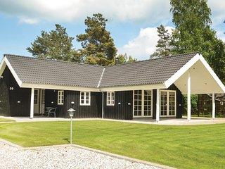 Beautiful home in Vaeggerlose w/ WiFi and 3 Bedrooms
