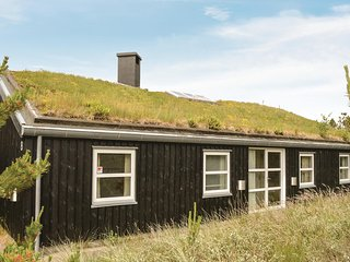 Beautiful home in Rømø w/ Sauna, WiFi and 4 Bedrooms (R10198)