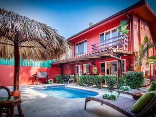 La Casa Roja – 3 bedroom home, private pool, near beach