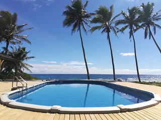 PACIFIC VIEW - with huge pool and ocean views