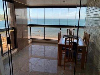 Apartamento em frente a Praia do Morro - 4 qts, 2 vagas garagem, WI Guarapari-ES