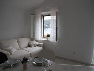 Apartments Sonja - Two Bedroom Apartment with Balcony and Garden View (A3+2