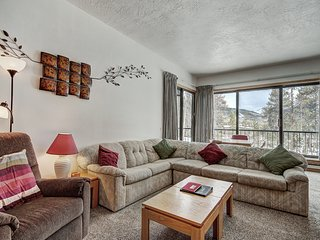Huge 2 Bedroom Condo in the Pines - Amazing Value!