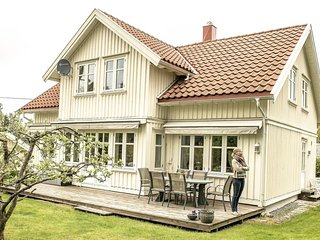 Guesthouse in Ås (Aas). Close to the University NMBU, 25 minutes drive to Oslo