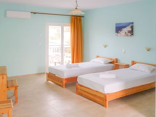Alexandros Guest House - Superior Double/Twin Room  with Balcony