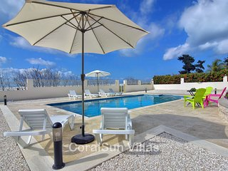 Sea Front Position, Luxury Villa, Large Pool & Garden, Peaceful area