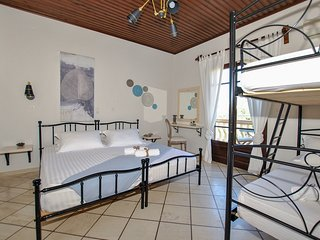 Minas Studios.... 4 persons, Top Floor