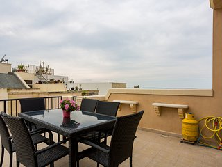 criholiday apartment with large terrace