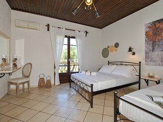 Minas Studios.... 3 persons, Ground Floor, Garden View, Veranda