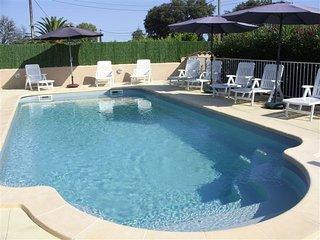 Villa pour 4 personnes avec piscine partagée