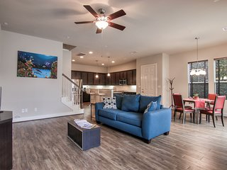 Exclusive Gated 2BR/2.5BA Townhome Energy Corridor