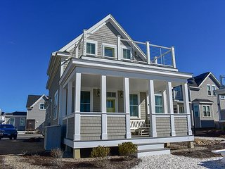 New to our inventory! Oceanfront Heritage Sands condo that sleeps 8.