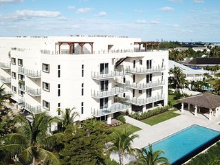 Paradise Island Luxury Condo