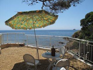 Villa pied dans l'eau, vue 180° sur la mer
