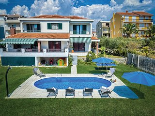 Amazing home in Stobrec w/ WiFi and 4 Bedrooms