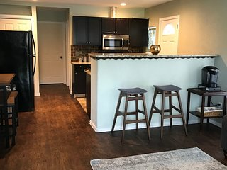 Fully remodeled One bed, One bath duplex Unit B