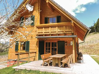 Nice home in Bad St. Leonhard w/ Sauna and 5 Bedrooms