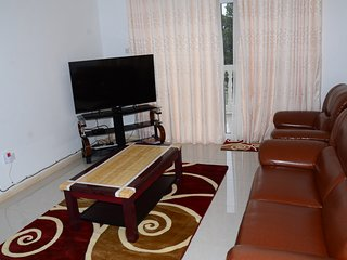 Muyenga Vacation Home - Royal Apartment, 2 Bedrooms, Ensuite